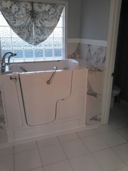 Bathroom Remodel with Walk In Tub in Huntsville AL (3)