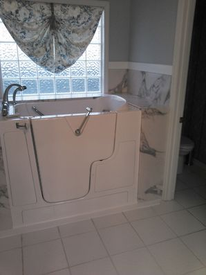 Bathroom Remodel with Walk In Tub in Huntsville AL (2)